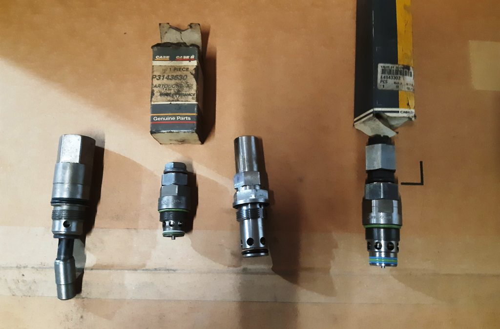 Diverse onderdelen Case Poclain, Hitachi en JCB